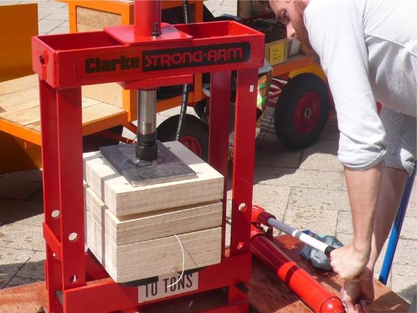 hydraulic bench press  1